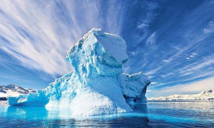 antarctica-icebergs-01