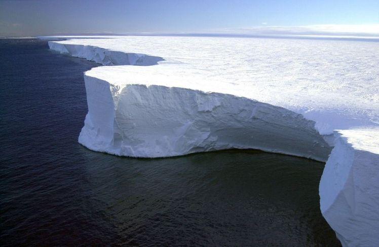 AA-Brunt-ice-shelf