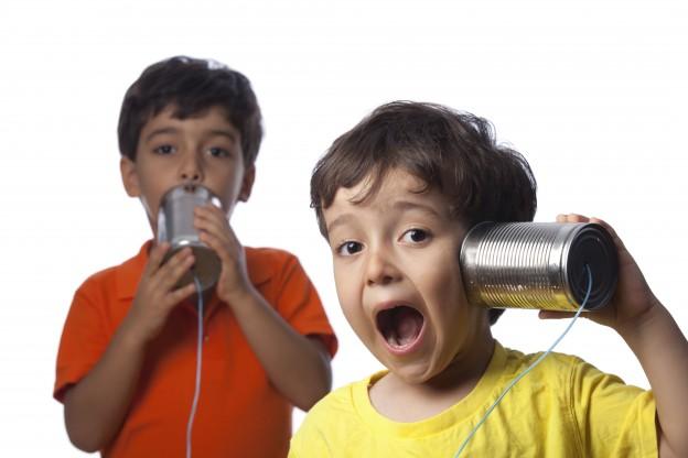 kids-communicating-01